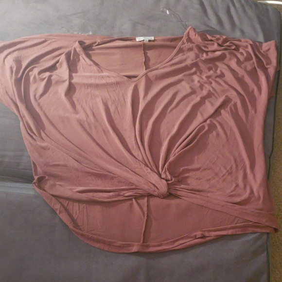 Charlotte Russe Tops - Charlotte Russe tie front mauve top
